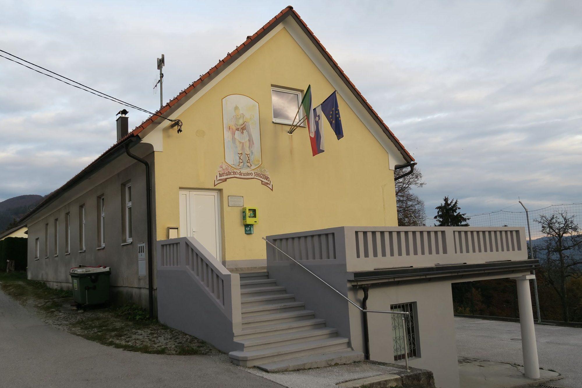 Sedež Krajevne skupnosti in Turističnega društva